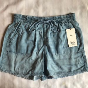 ❤️5/40❤️ lightweight shorts